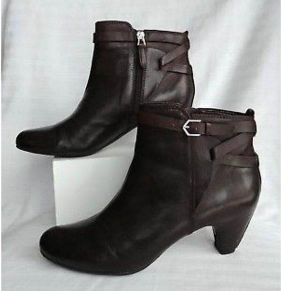 8dffb1562257 Sam Edelman Chocolate Brown Maddox Ankle Bootie. M 5abd34da45b30ce7cf8b2a97